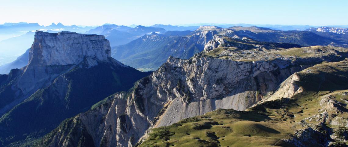 5 mountain ranges, 5 picture-postcard landscapes! - France ...