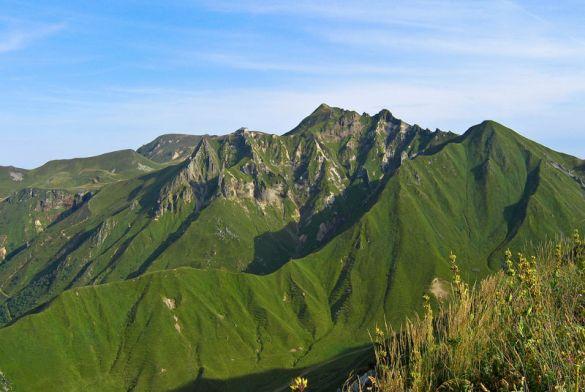 le mont dore montagnes official website of the ski resorts